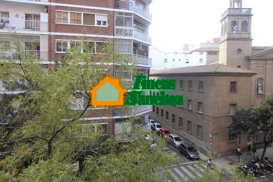 Alquiler de piso en centro zaragoza for Alquiler piso zaragoza centro